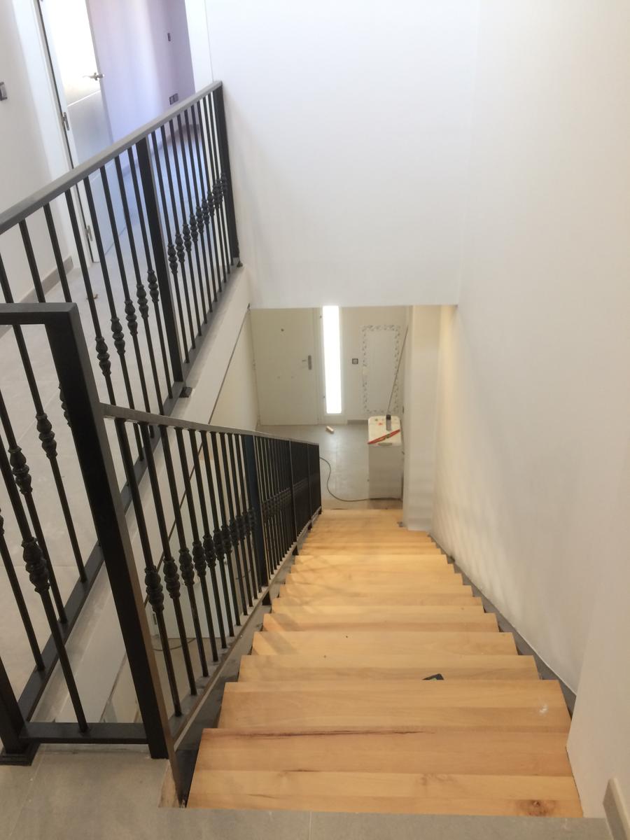 Escaleras hierro estructuras metalicas valencia for Escalera hierro